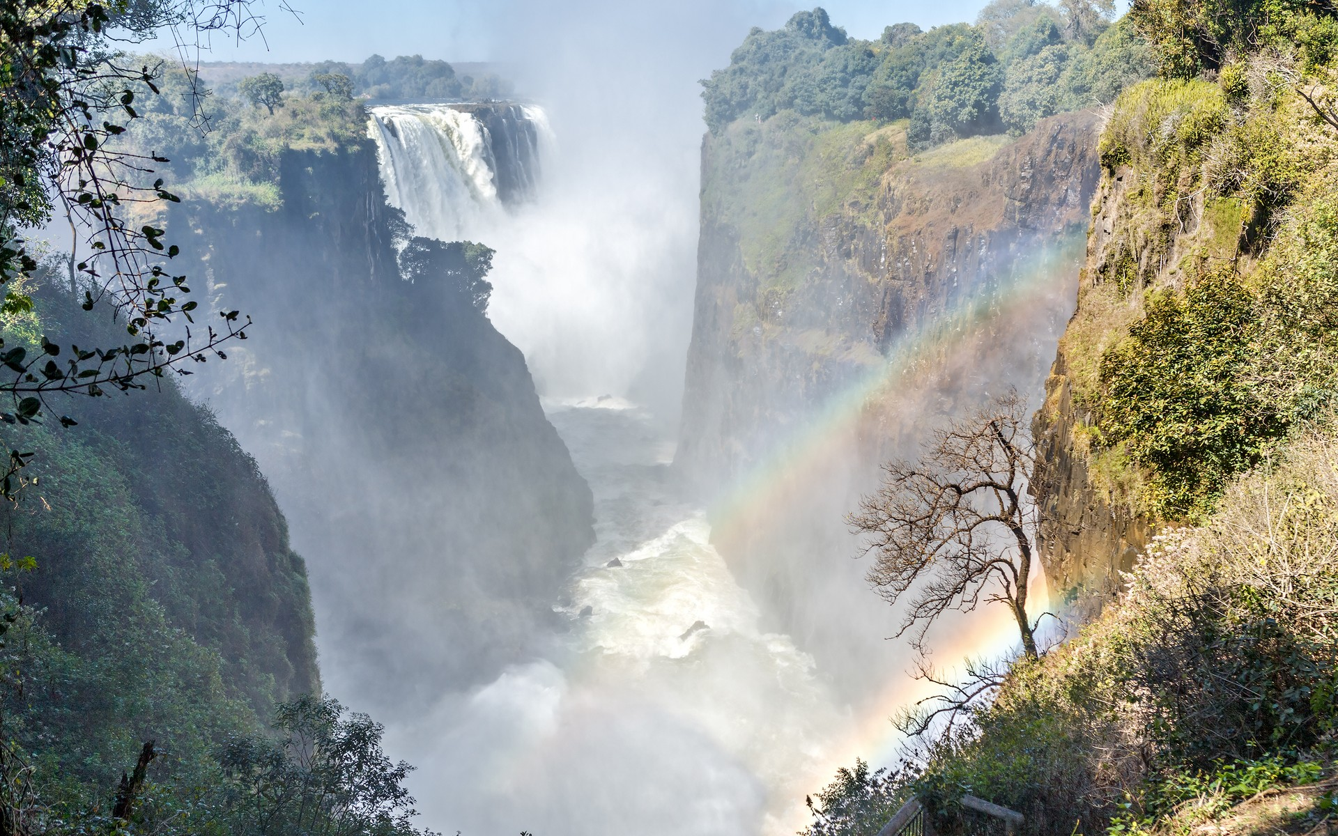 "The Victoria Falls: ""the smoke that thunders"""