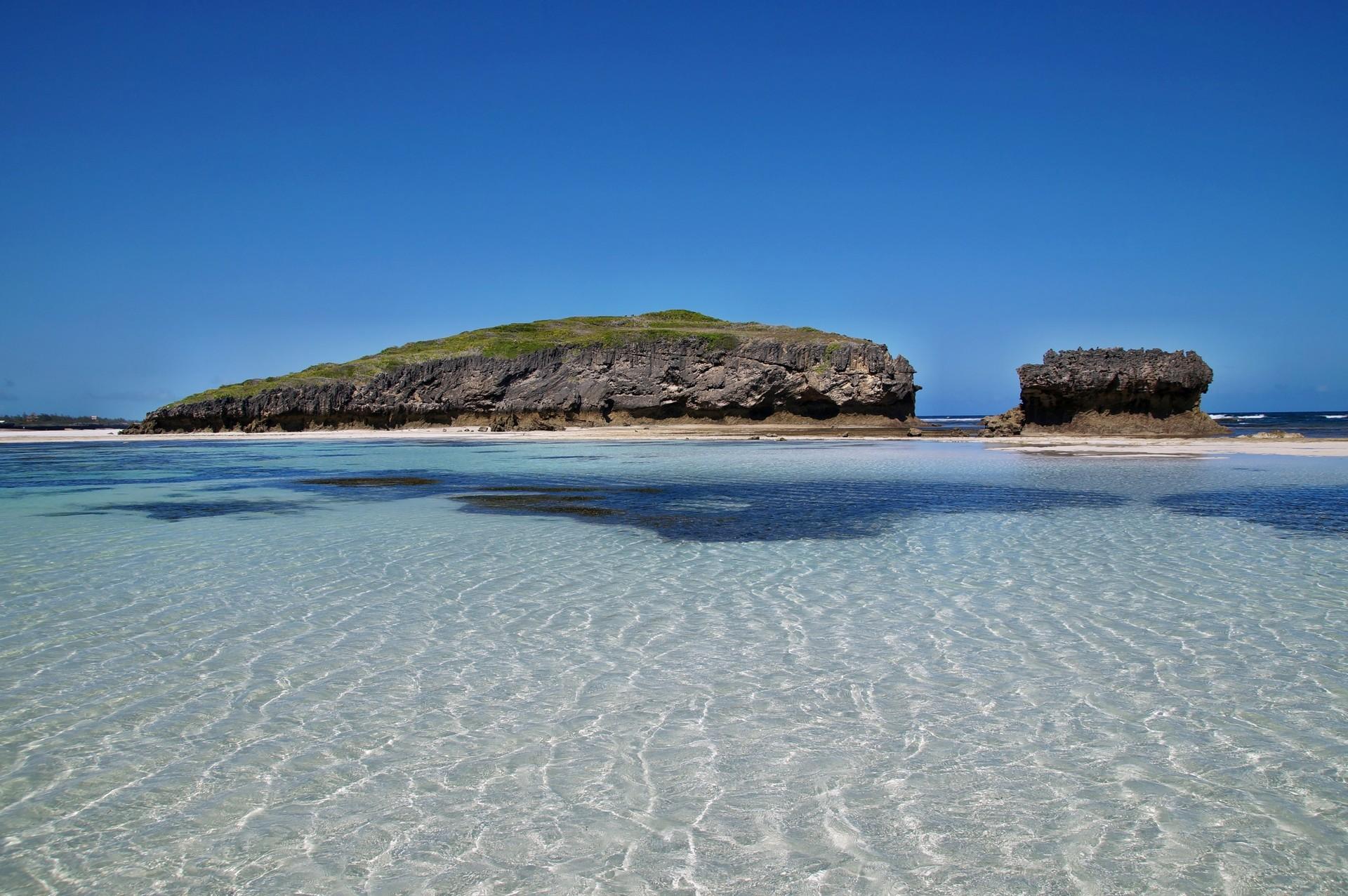 Watamu beack clear water
