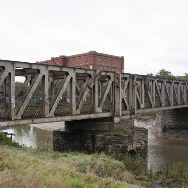 Image: Ashton Avenue Swing Bridge: Pre-refurbishment