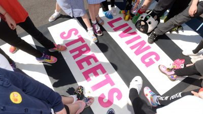 Thumbnail image for Schools in Bristol celebrate 'Walk to School Week' with street parties