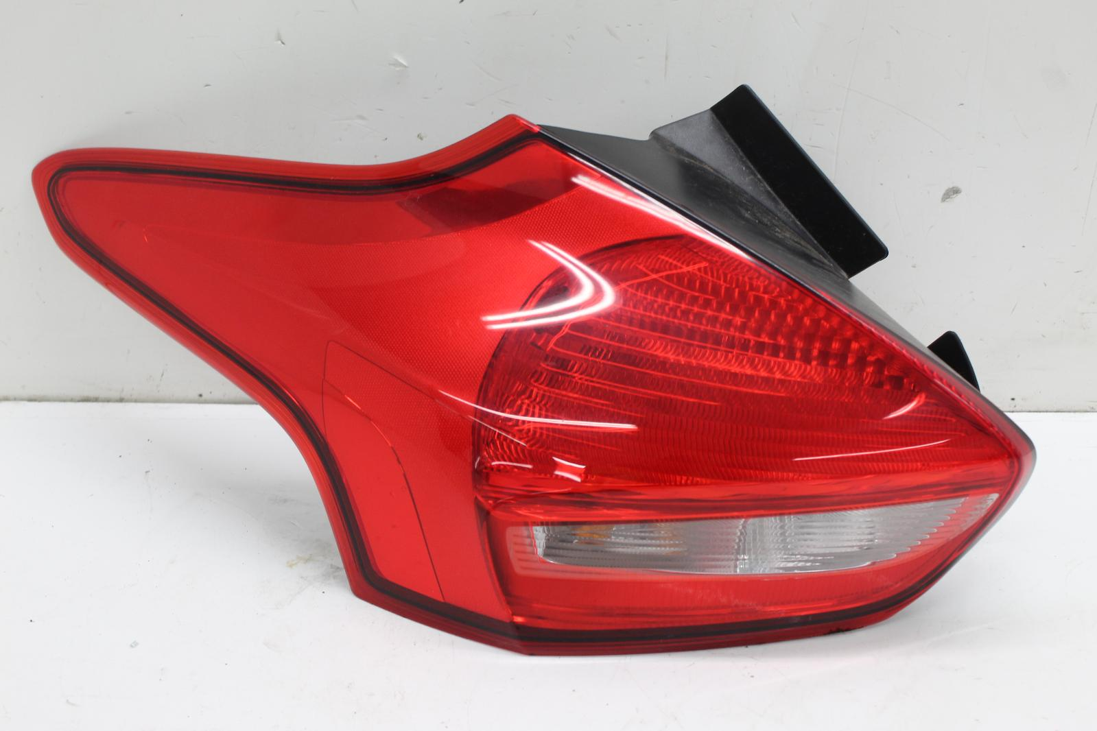2015 Ford Focus N  S Passengers Left Rear Taillight Tail Light F1eb13405cf