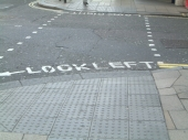 "Vorbei mit ""Look left"" - back to ""Look right"""