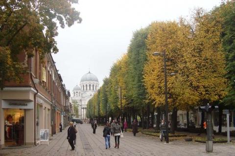 Kaunas - auf der Laisves alejae