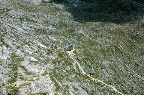 Pragser Wildsee - Blick auf die Seekofelhütte