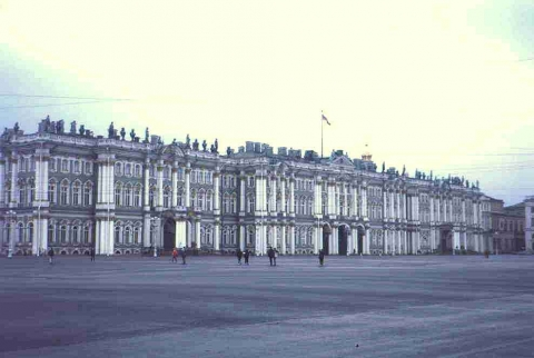 Saint Petersburg - Winterpalast mit Eremitage in St. Petersburg