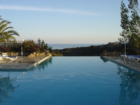 Bonifacio - Pool am Rondinara-Campingplatz