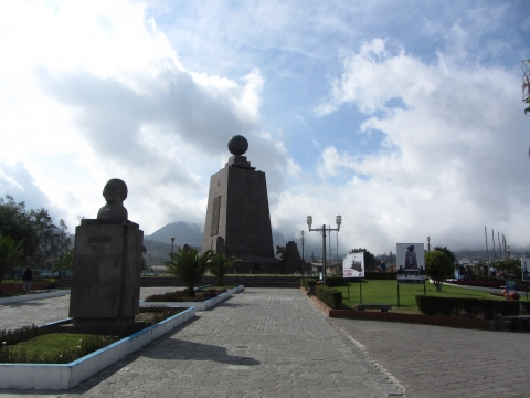 Quito - Äquatordenkmal
