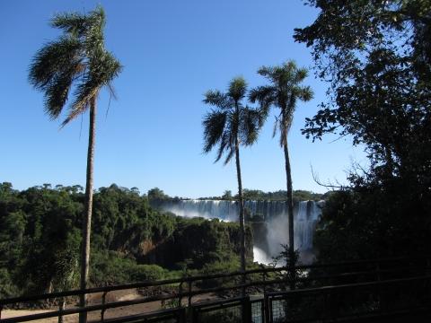 Iguaçu- Wasserfälle - lower trail arg. Seite