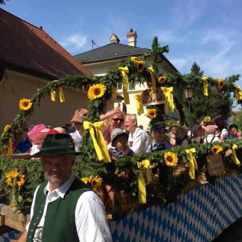 Siegertsbrunn -  Leonhardi-Umzug 2015 - Bild 1
