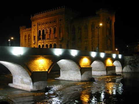 Sarajevo - Brücke über dem Fluss Miljacka