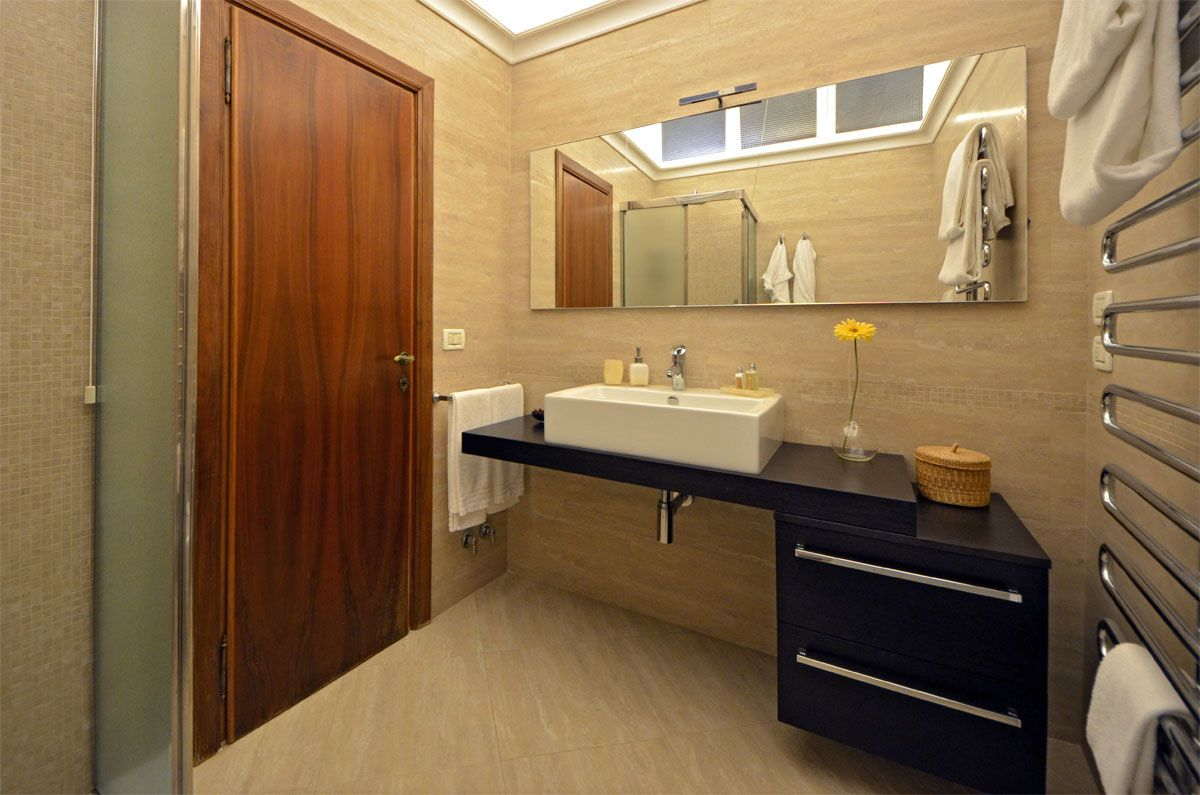 bathroom of the second bedroom with large shower cabin