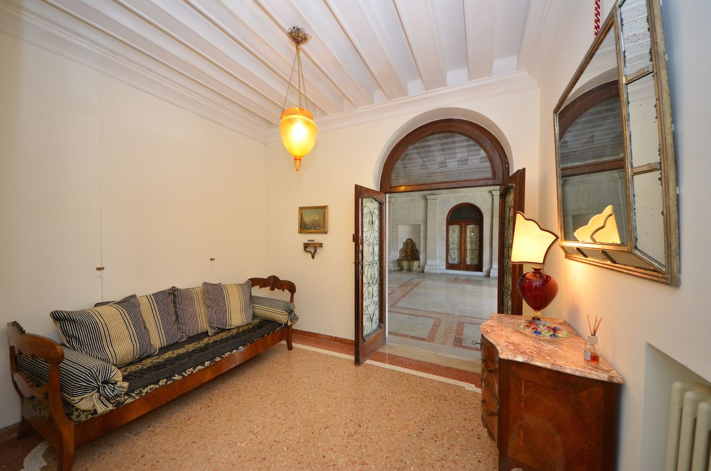 entrance room of the Dogaressa apartment
