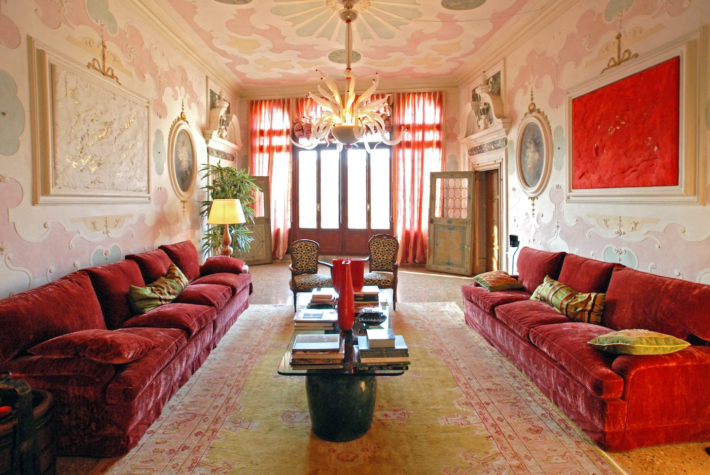 the prestigious living room of the Morosini apartment