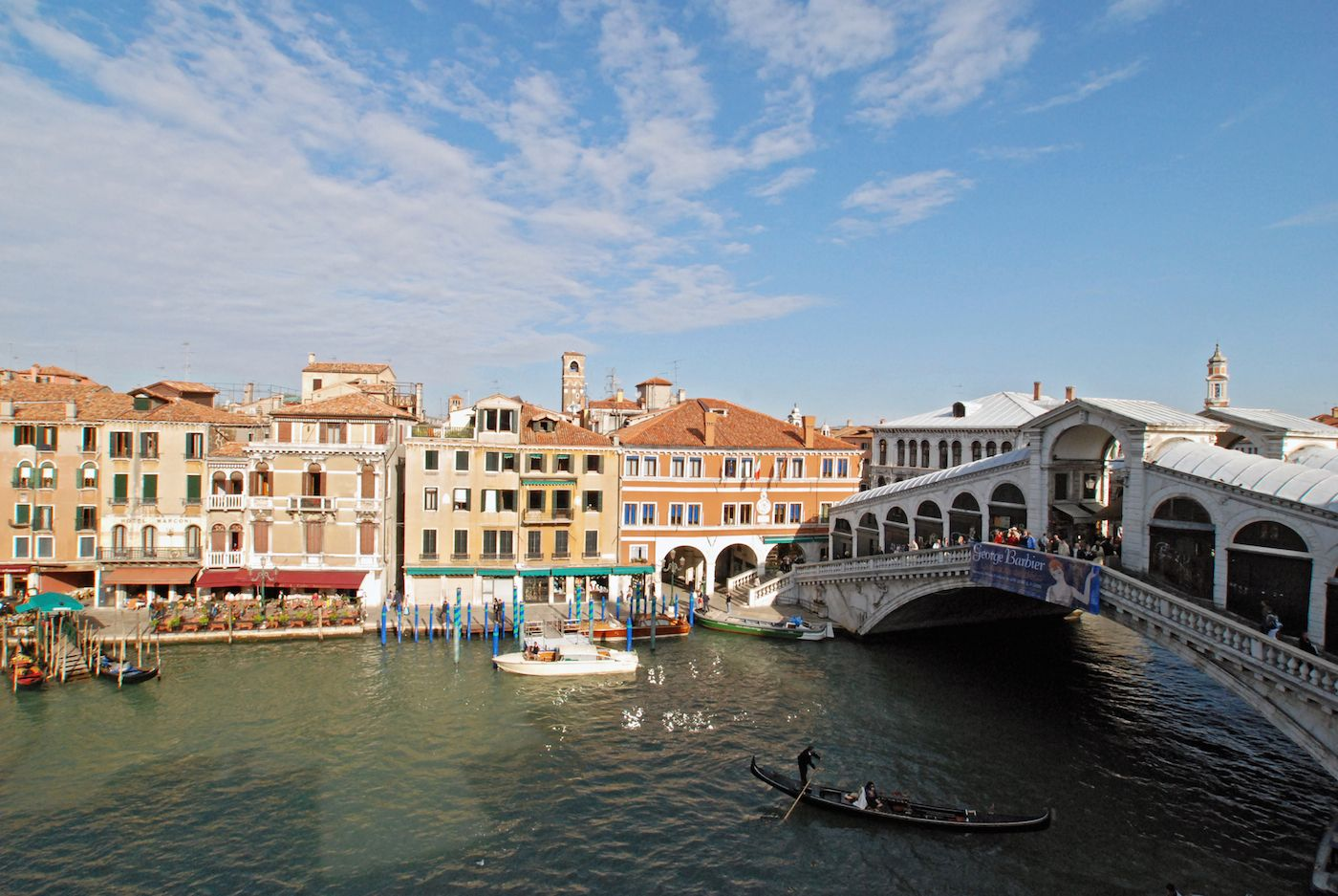another stunning view of the Rialto Bridge from the living room