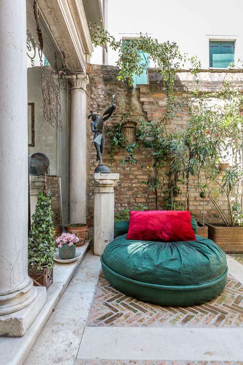the courtyard is so cozy that you can spend the entire day here!