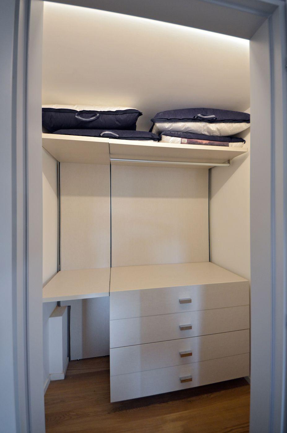 walk-in wardrobe of the double bedroom