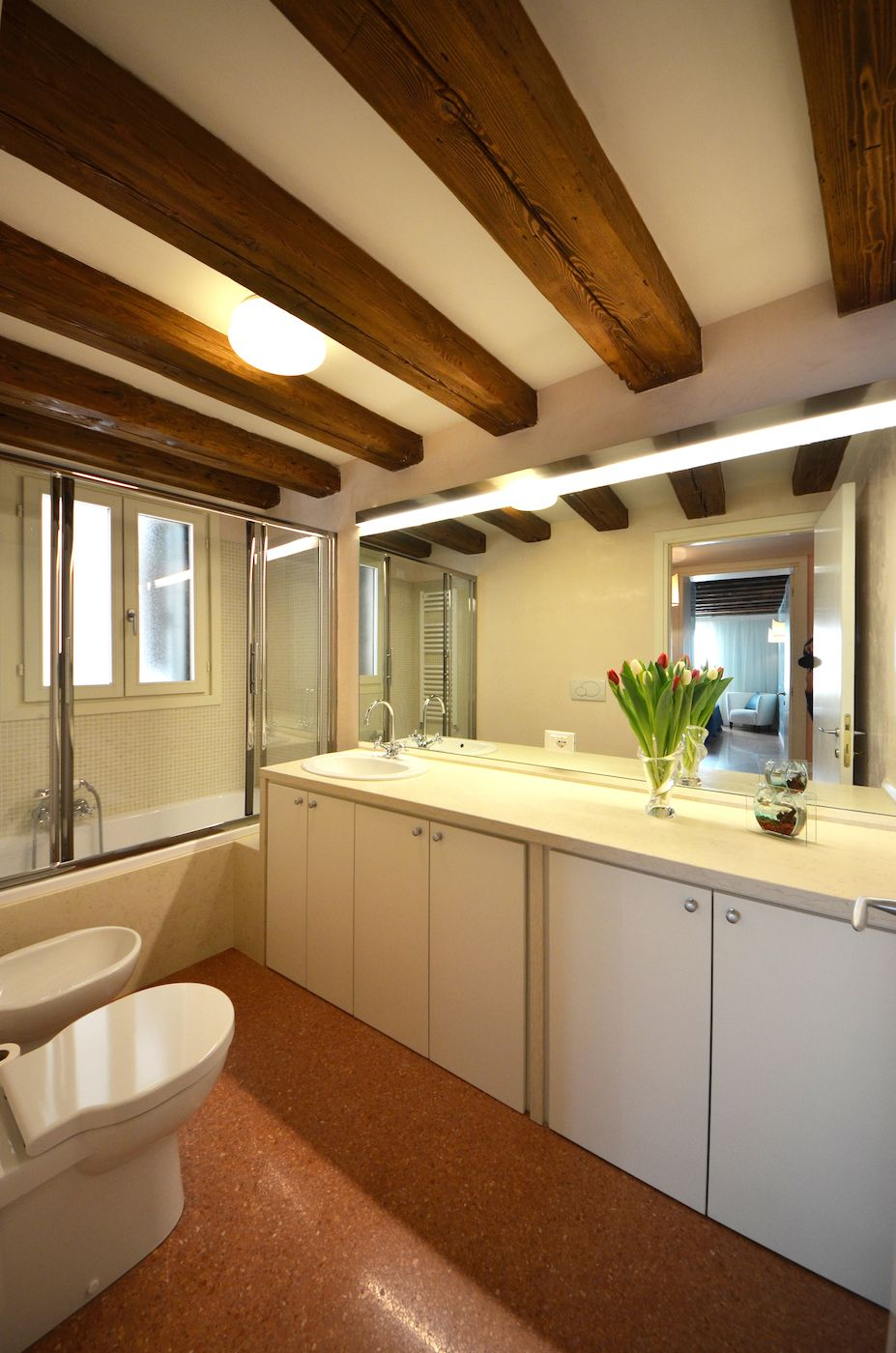 third bathroom with tub, nice and spacious