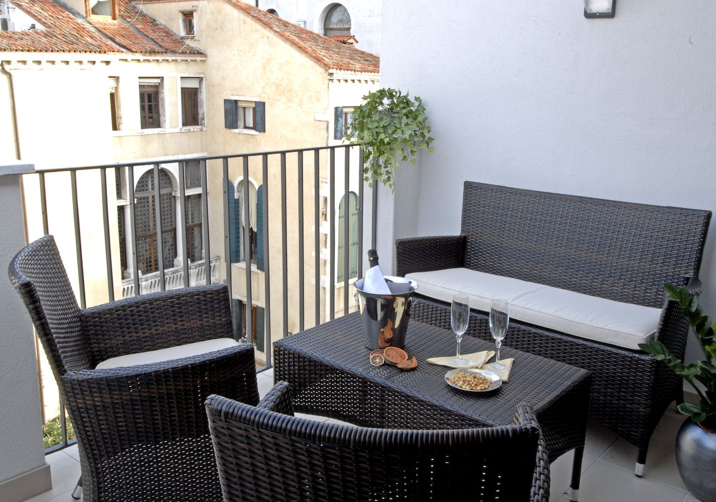 enjoy the aperitif on the terrace