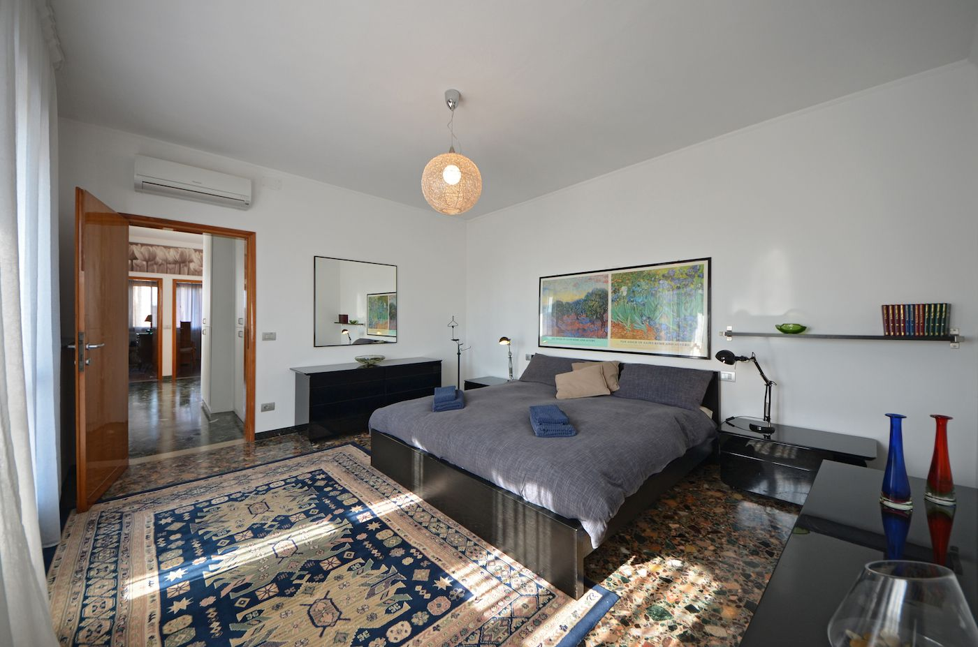 Master bedroom with private access to the 2nd terrace