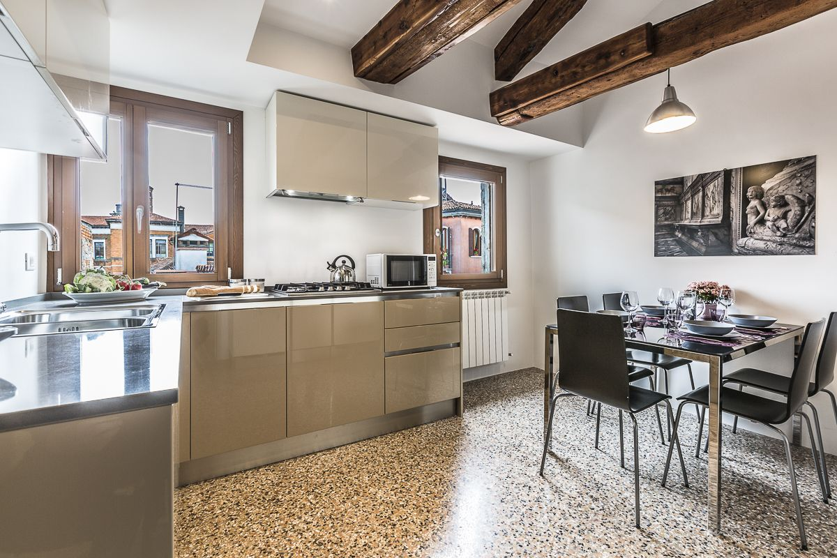 the kitchen of the Guardi is bright and highly technological