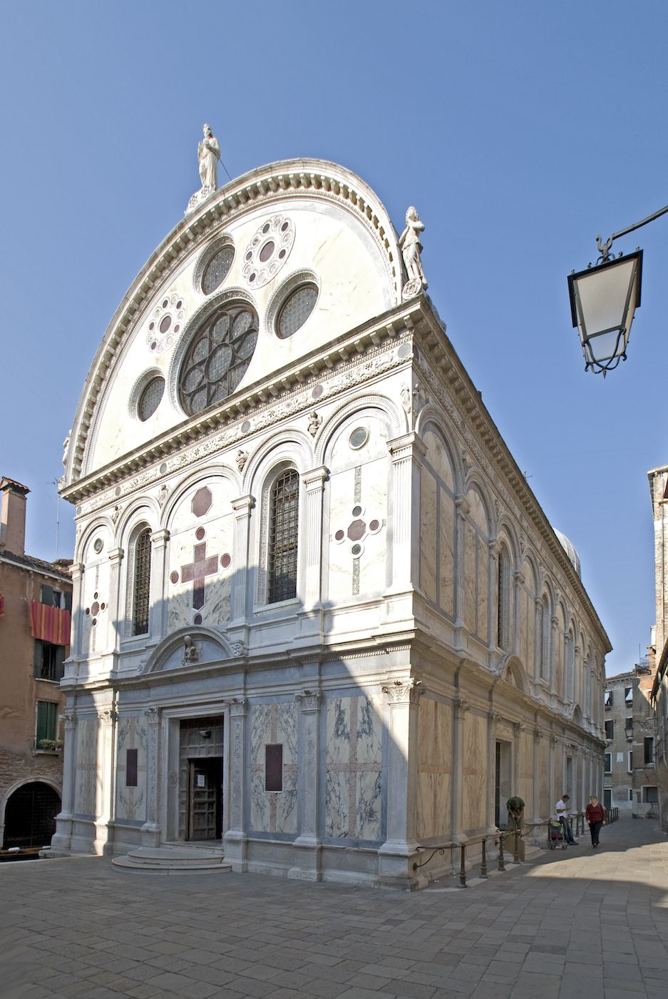 surroundings: the so called Chiesa dei Miracoli is a small treasure