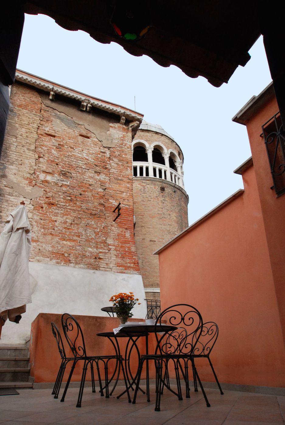 view of Scala Contarini del Bovolo from the Bellini terrace