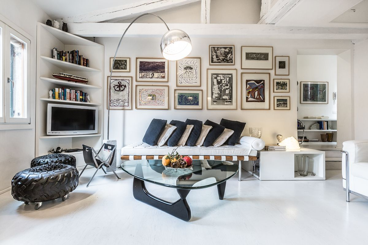 Leonessa apartment living room