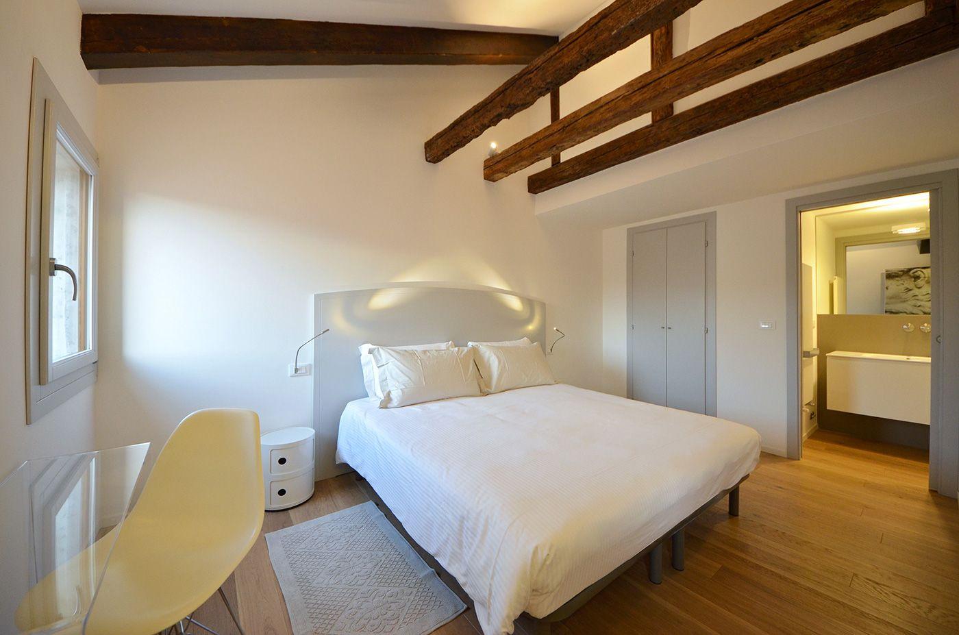 double bedroom with en-suite bathroom and walk-in wardrobe