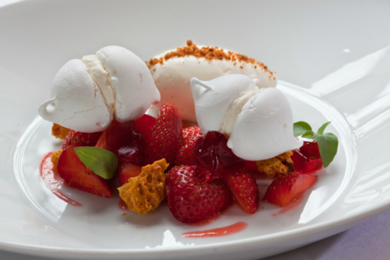 Strawberry Cheesecake And Meringue