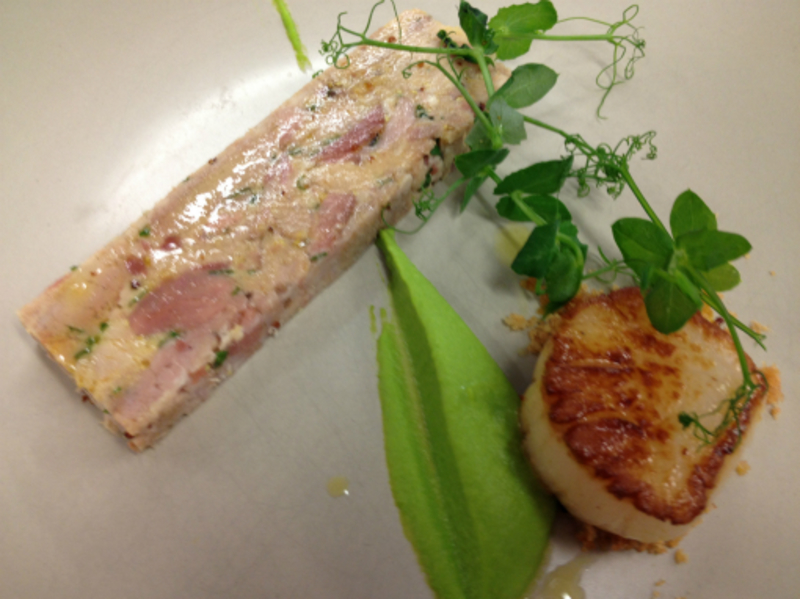 roast scallop, ham hock, pigs cheek & pea puree