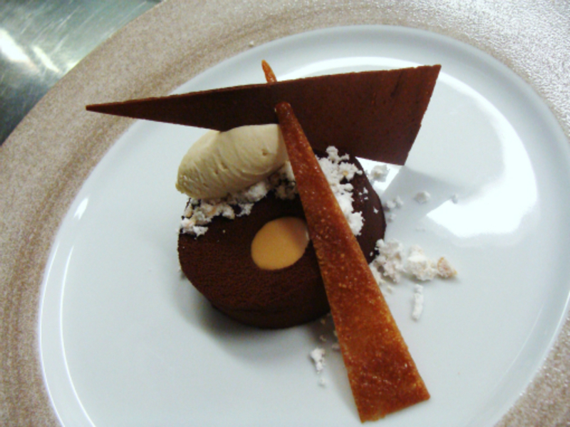 set chocolate custard, peanut and salted caramel