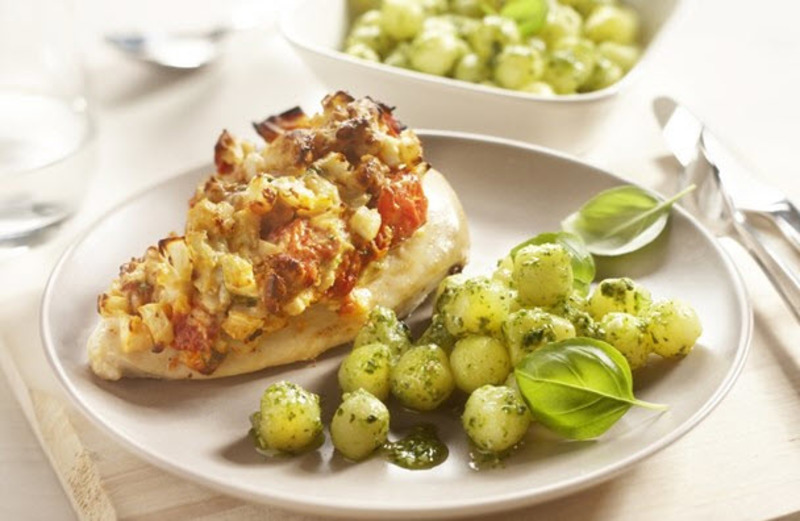 Chicken fillet with ricotta and pesto potatoes