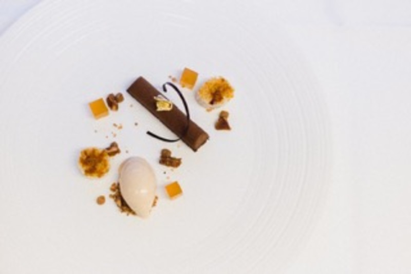 Caraibe chocolate bar, salted caramel ice cream, honey roast peanuts and glazed bananas