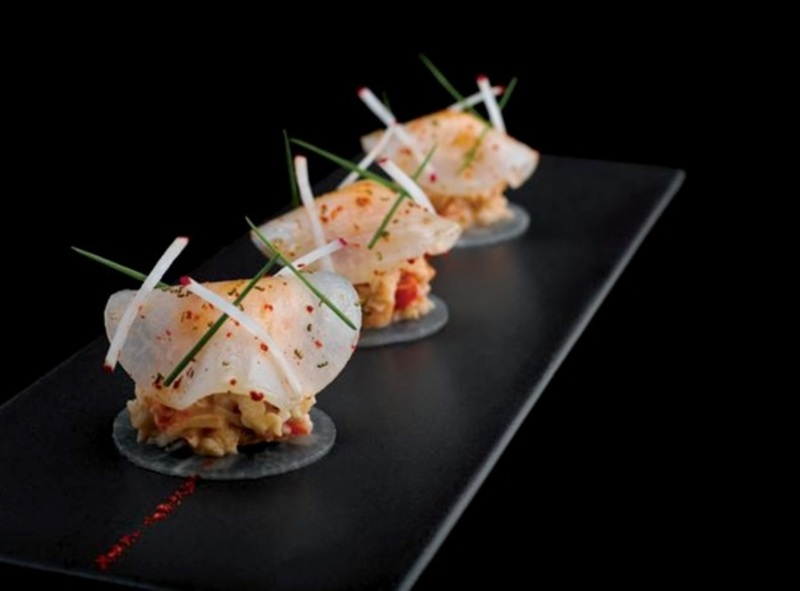 Dressed crab meat with crunchy radish