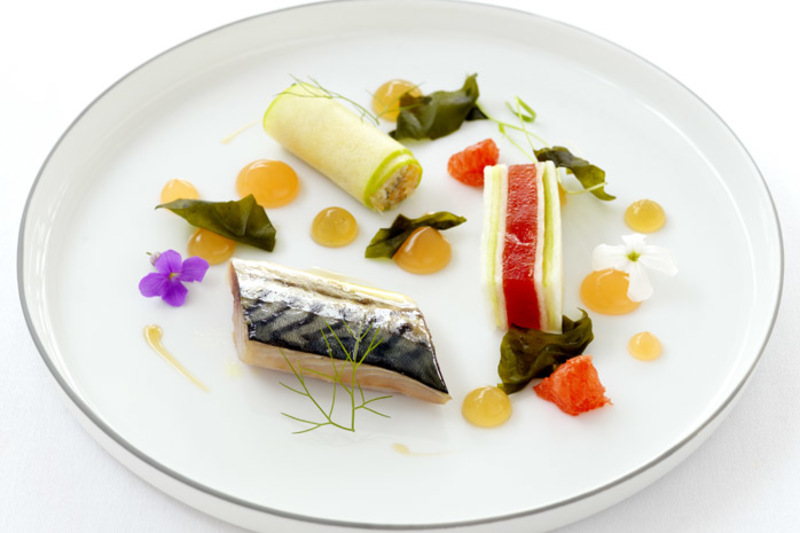 Grilled mackerel, crab, grapefruit and dashi