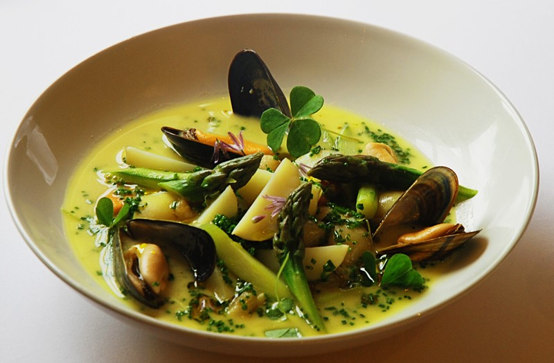 Comber potato, asparagus and mussel broth