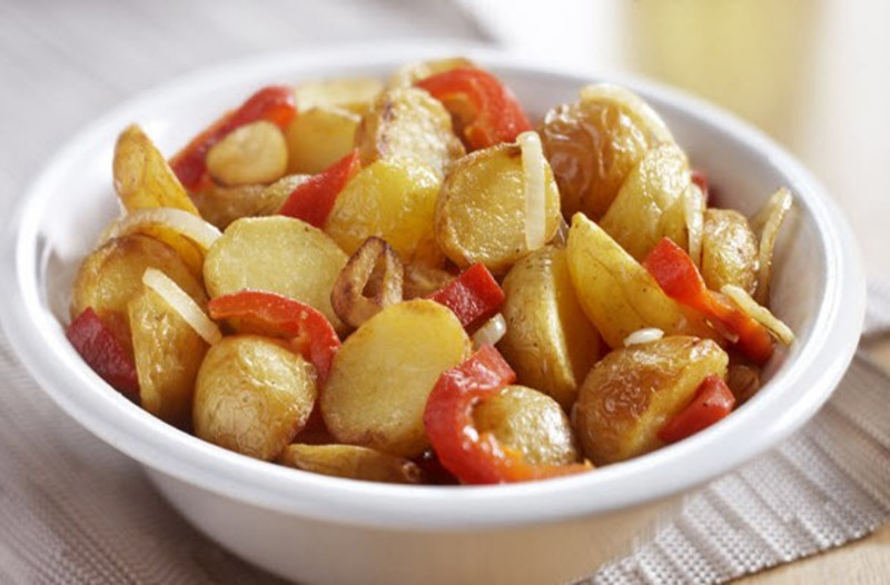 Steam skin-on potatoes with Bell Pepper, Onion & Garlic