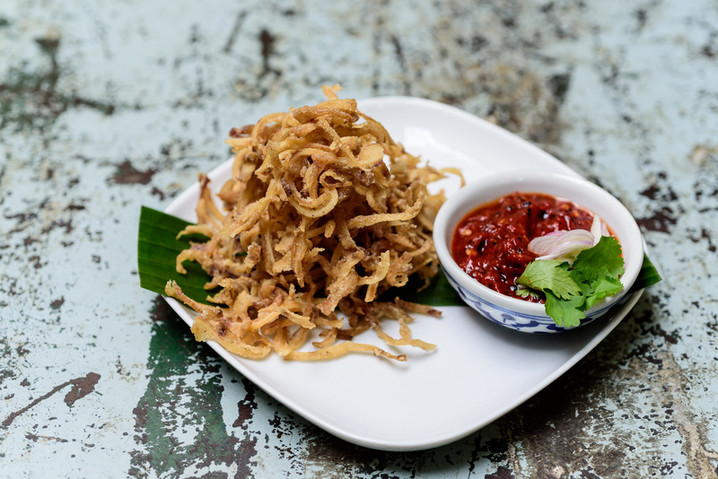 TEM BAN BRINGS FRESH TAKE ON TRADITIONAL THAI FOOD TO THE KING & CO