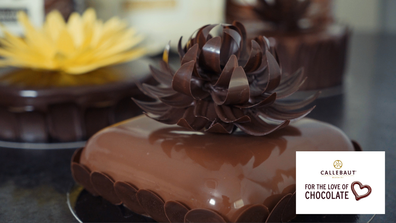 Chocolate flower for decorating celebration cakes and Entremets