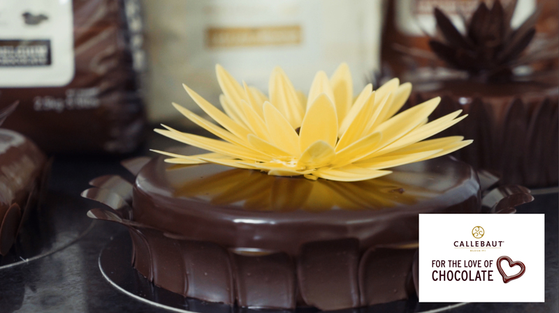 Chocolate flower for decorating celebration cakes and Entremets - 1
