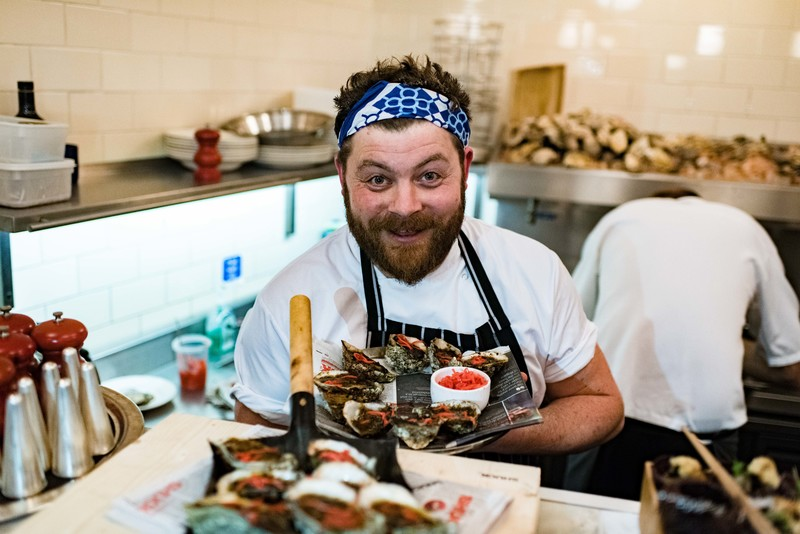 SHUCK'S SIMON LAMONT WINS UK'S FIRST EVER BEST DRESSED IRISH OYSTER COMPETITION - 1