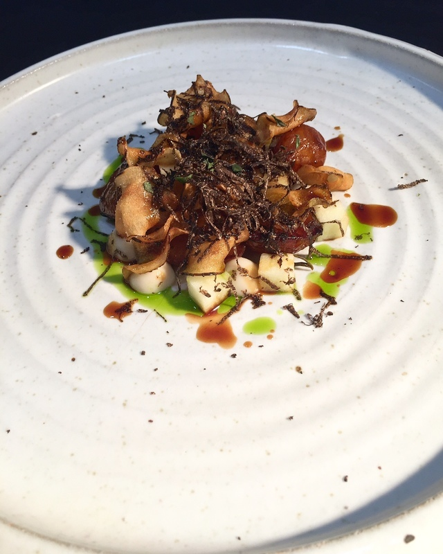 Cornish chap (saddleback) jerusalem artichokes, black truffle and bramley gravy