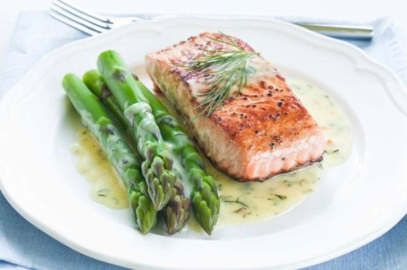 Steamed Salmon and Asparagus, Hollandaise