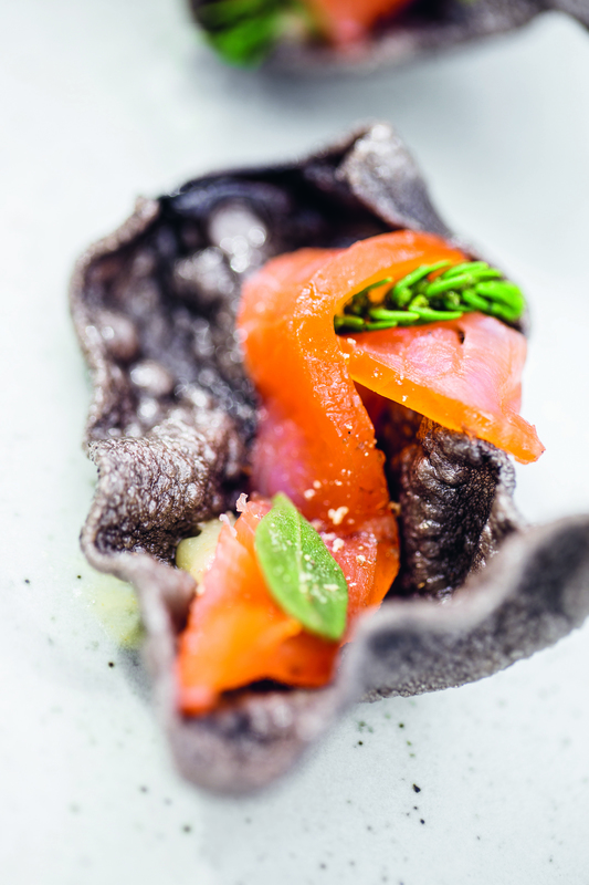 Squid ink crackers, smoked salmon with lemon puree - 1