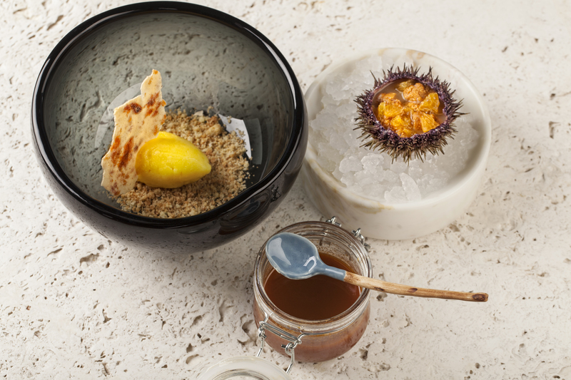 Sea urchin / tangerine recipe by Ivan and Sergey Berezutskiy