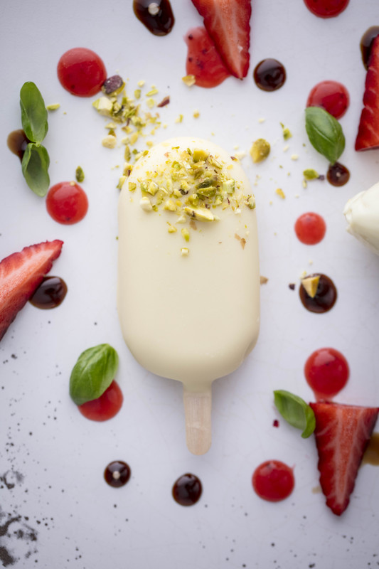 STRAWBERRY ICE CREAM WITH WHITE CHOCOLATE RECIPE BY DANILO CORTELLINI - 1