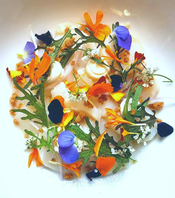 Scallop ceviche, gooseberry juice, marigolds