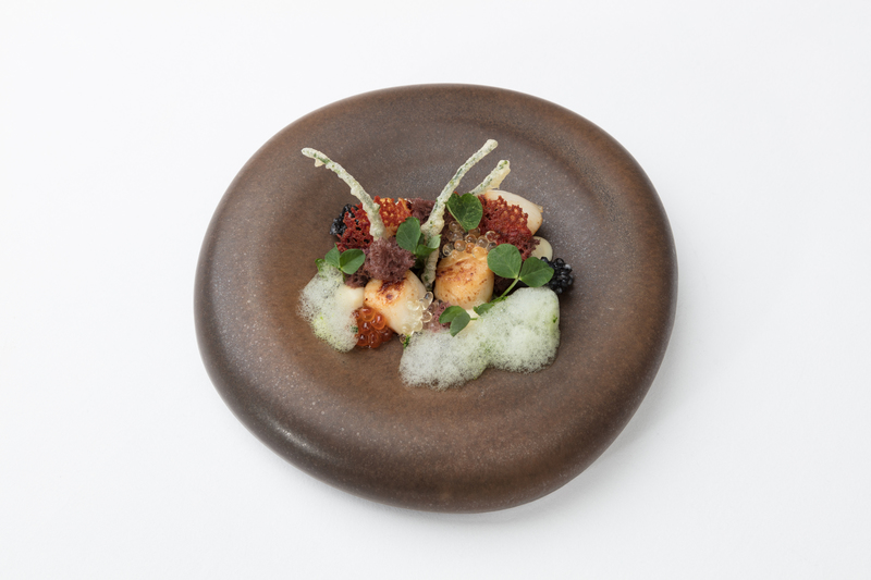 St Jacques scallops with squid ink cake and tapioca by Jean-Didier Gouges