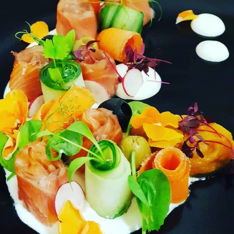 Between the rush hours i managed a nice plate!smoked salmon,cucumber,carrot,fresh cream!