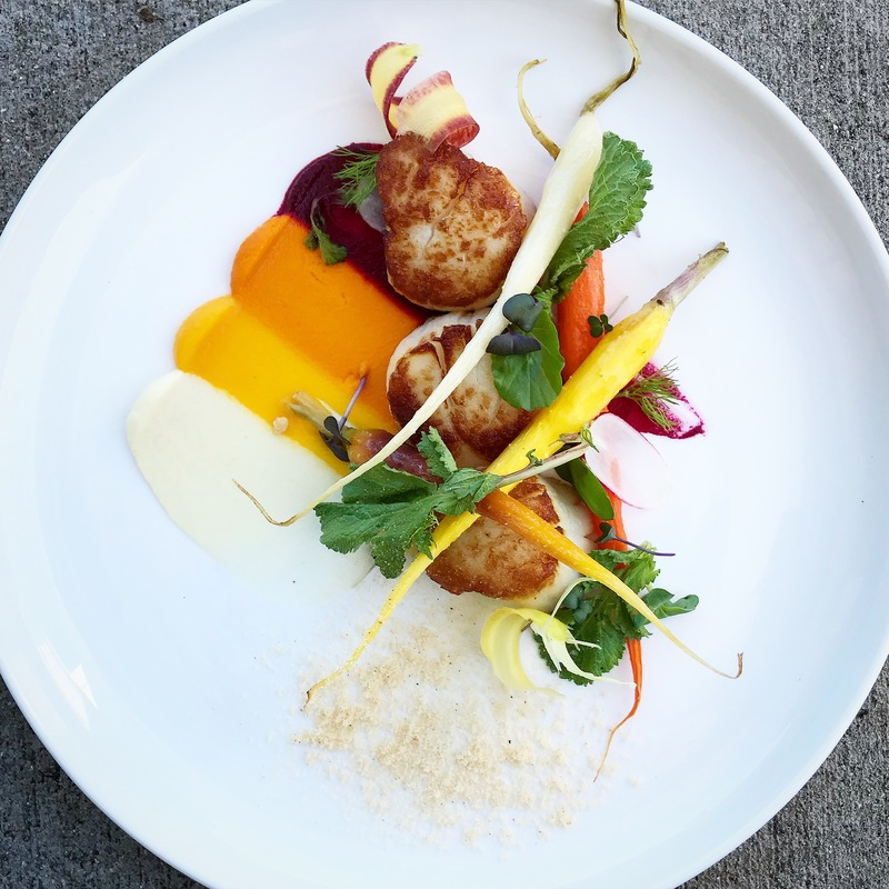 Scallops with rainbow carrots